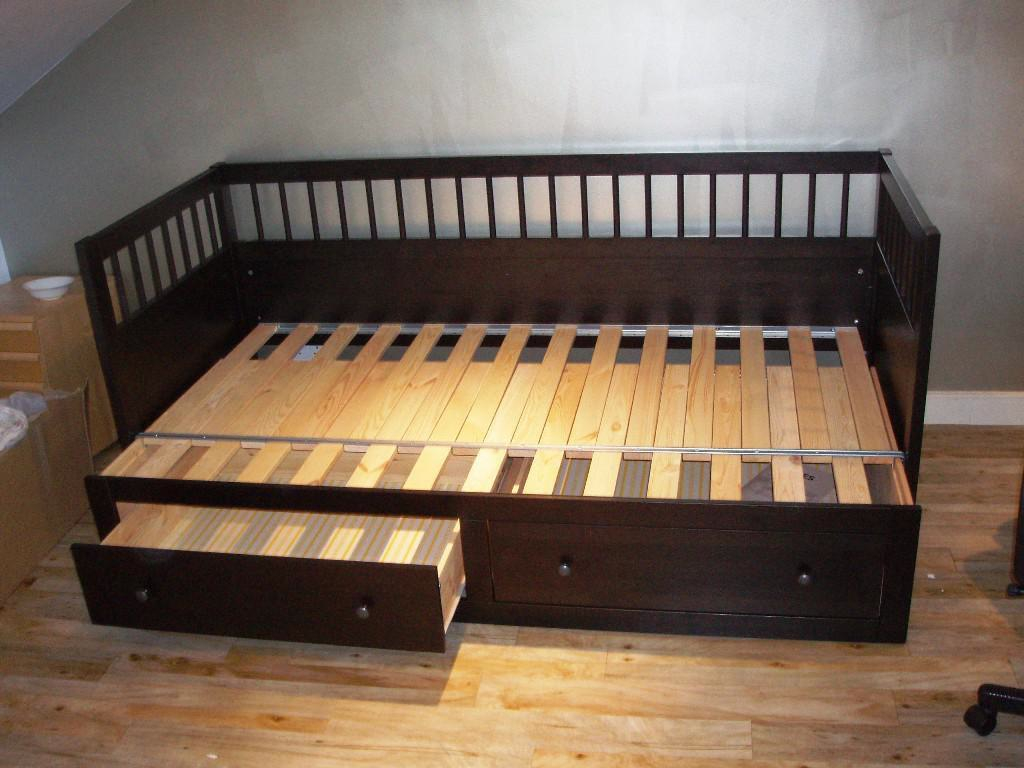 How to Make a Twin Daybed Frame